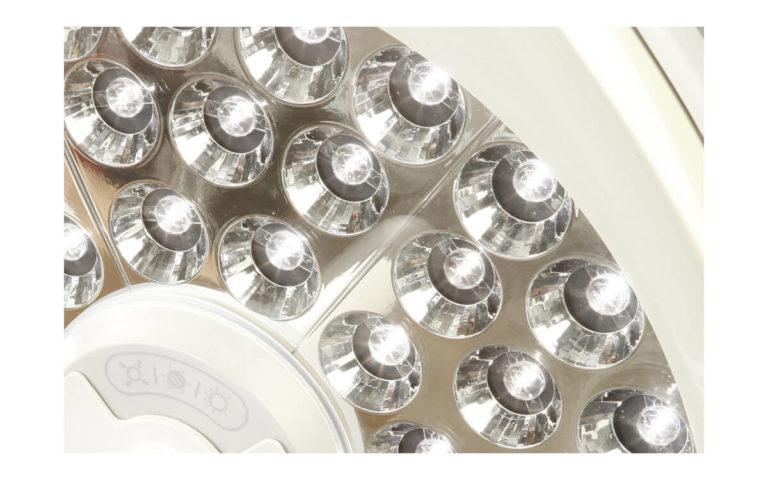 Operační svítidlo Luvis M-210